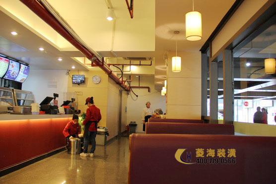 130﹐报价:12~15万 描述: 一汤一味是一家简约而温馨的中式快餐厅,有图片