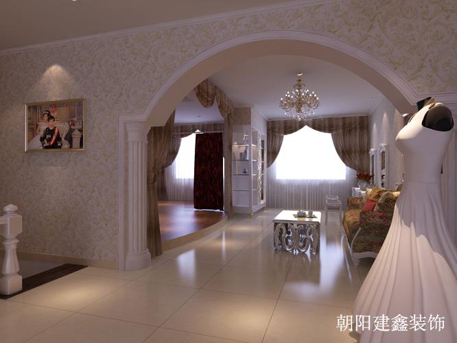 二楼婚纱区与试衣间的过道门,运用白色石膏罗马柱以及弧形门框,处处一