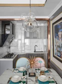 绿地香树花城三室二厅美式装修效果图