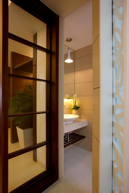 简约日式的卫生间设计