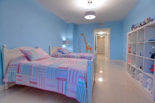 双人床铺儿童房装修