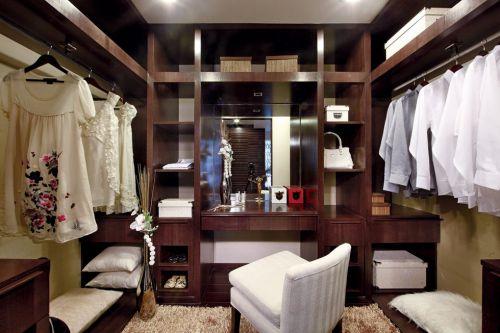 咖啡色的卧室衣柜装修