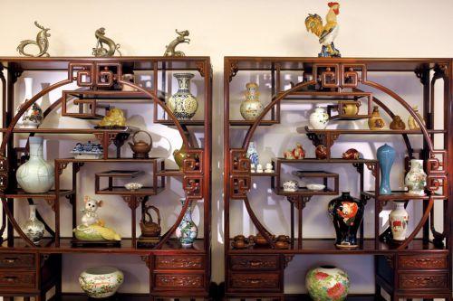 客厅古典博物架设计