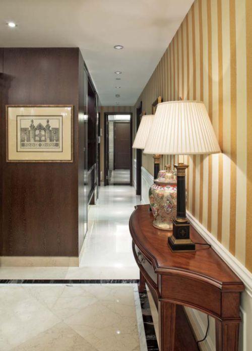 古典风格进门玄关装修效果图