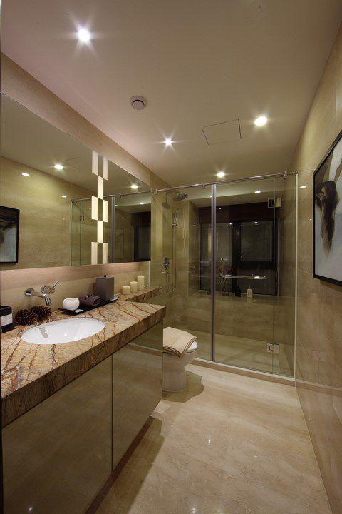 瓷质感的米色卫生间设计