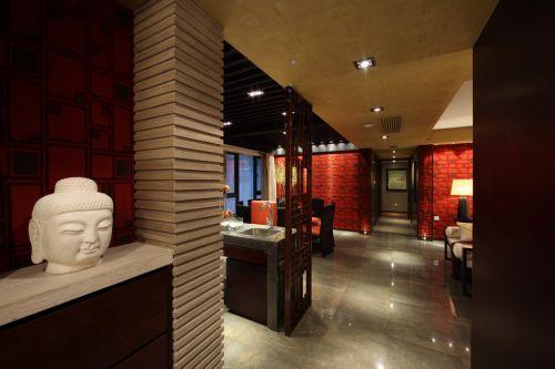美式红色装修的玄关设计