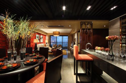 美式红色狂野的餐厅装潢