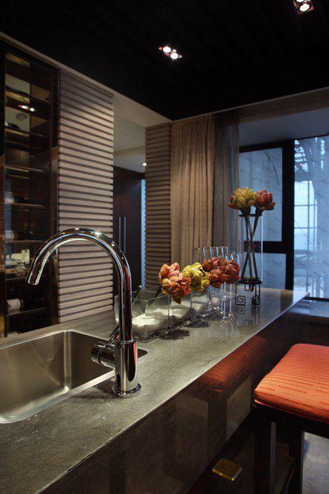 美式灰色的厨房设计