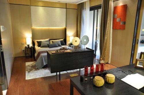 黄色简约的卧室设计