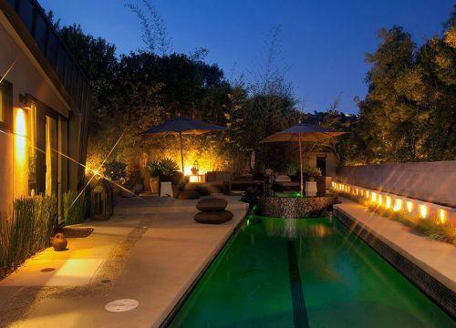 有泳池的田园花园装修