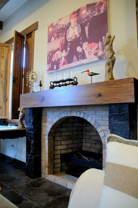 江南风格有壁炉的客厅装潢