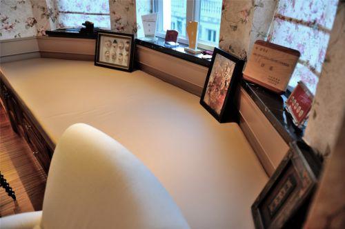 卧室书桌装饰效果图
