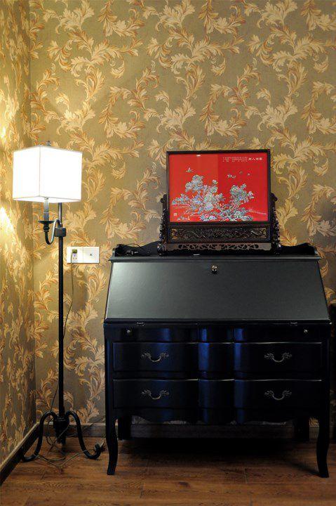 欧式古典客厅一角斗柜装修