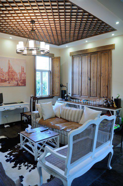 欧式和中式混搭的客厅效果图