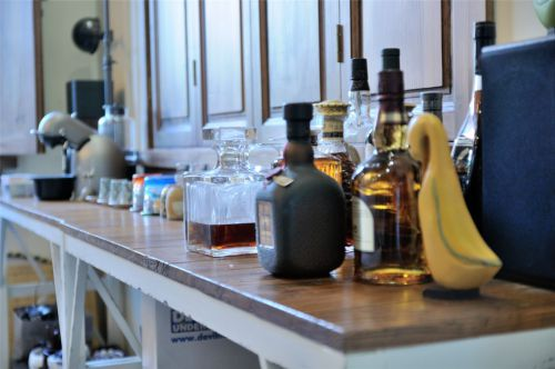 客厅一角桌子装饰效果图