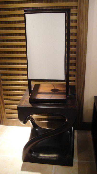 咖啡色卧室一角设计