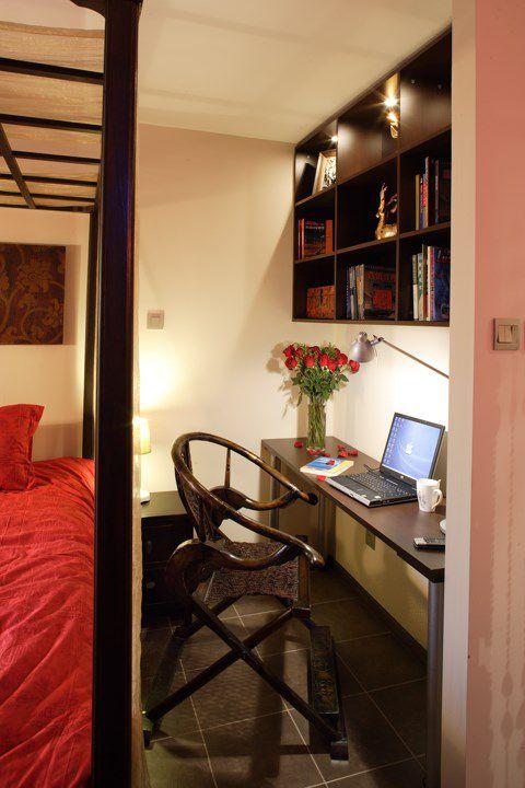 卧室工作区藤椅效果图