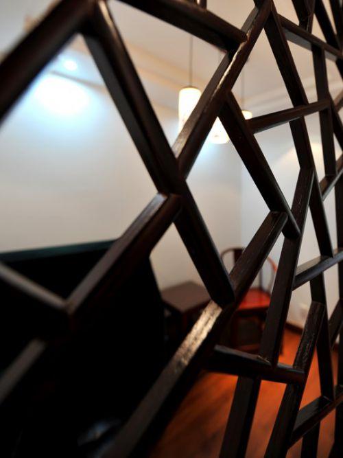 古典客厅木质隔断效果图