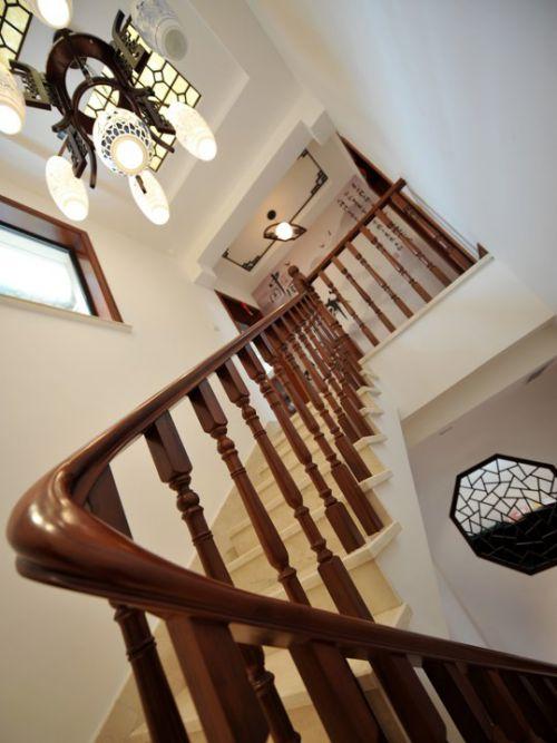 中式咖啡色楼梯扶手设计