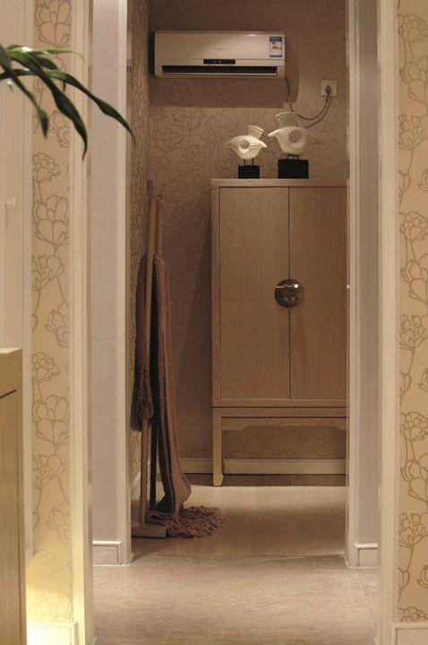 米色温馨的卧室衣柜设计