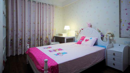 粉红色简约儿童房设计