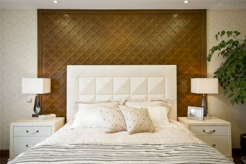 简约咖啡色背景墙的卧室装修