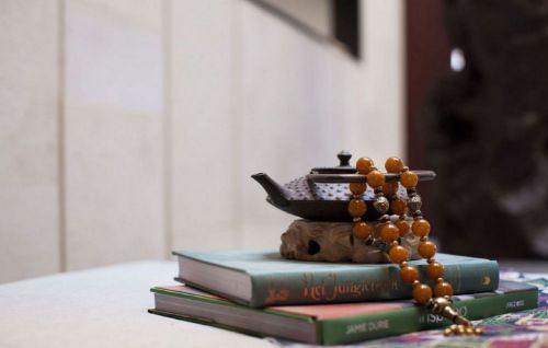 古典书房的饰物效果图