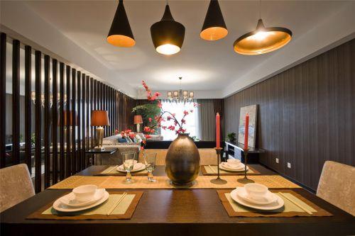 金黄色餐台的美式优雅餐厅效果图