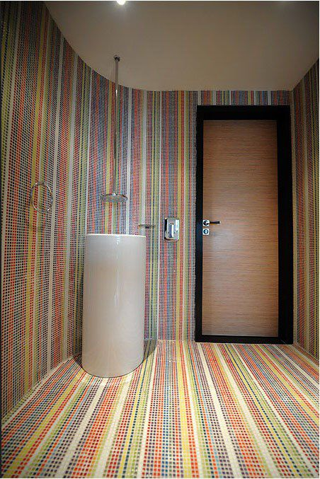 彩色干净的卫生间效果图