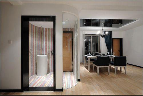 黑白搭配的浴室和餐厅设计