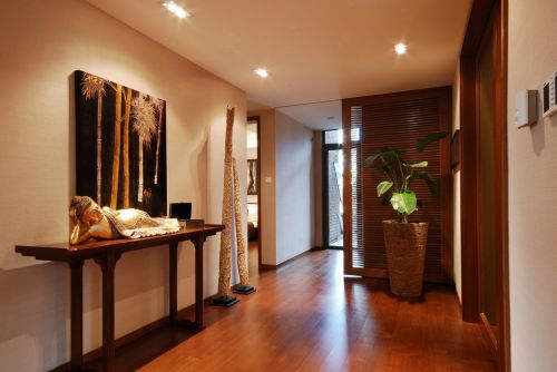 木质地板的玄关装潢