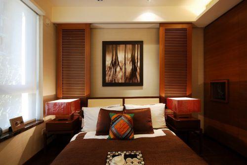 黄色木质家具的卧室装修