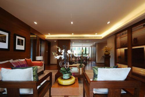 全木质家具的客厅装修