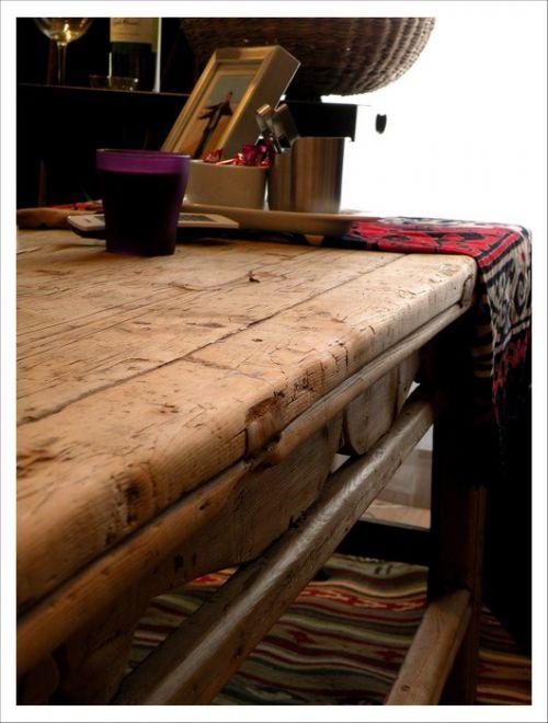 古典木质的客厅茶几效果图