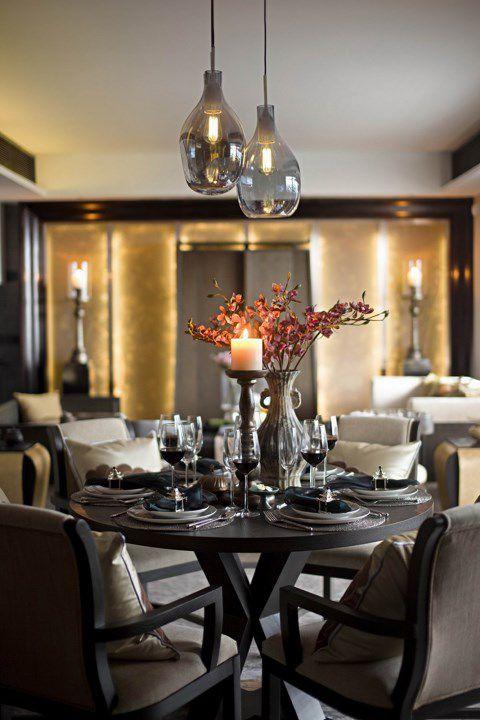 黑色简约大气的餐厅装修