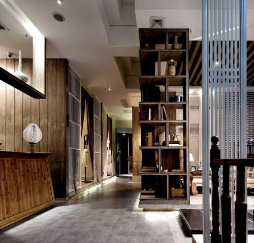 田园木质家具的走廊效果图
