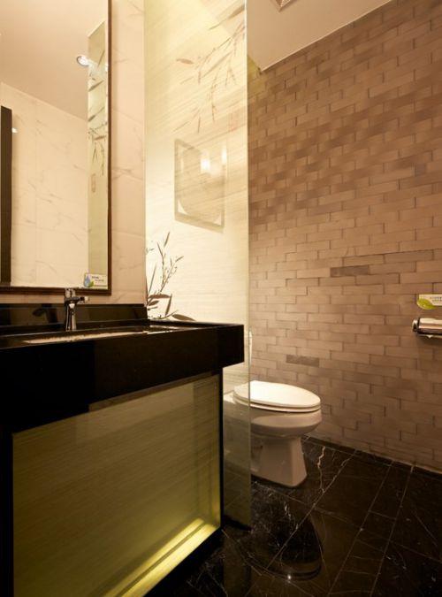 现代简约白色卫生间装修