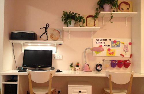 简约儿童书房书桌图片