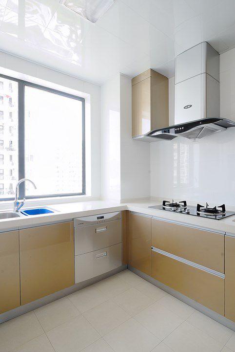 金属质感的现代厨房装修