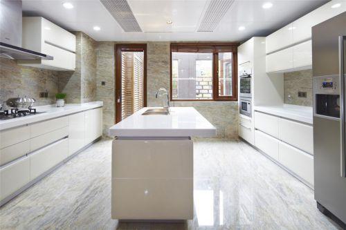 简约风格纯白色的厨房装修案例