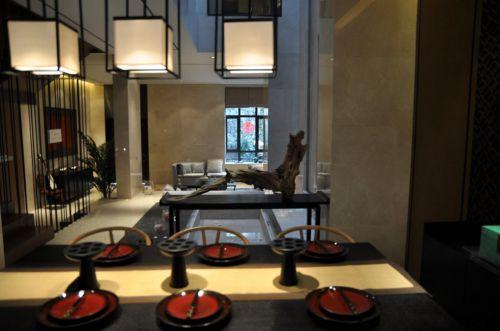 中式风格黑色餐桌效果图