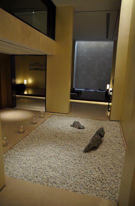 米色创意玄关装修案例