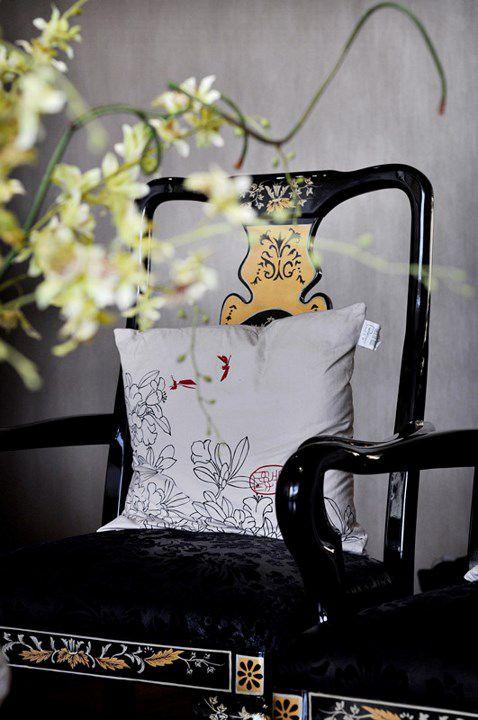 中式风格黑色座椅效果图