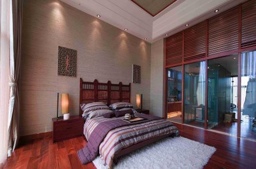新中式别墅挑高卧室背景墙效果图