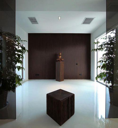 咖啡色背景墙玄关设计