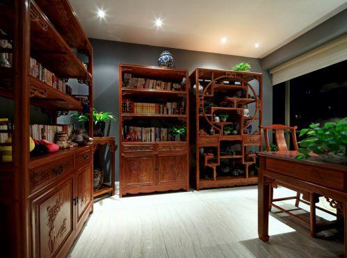 木质家具的古典书房设计