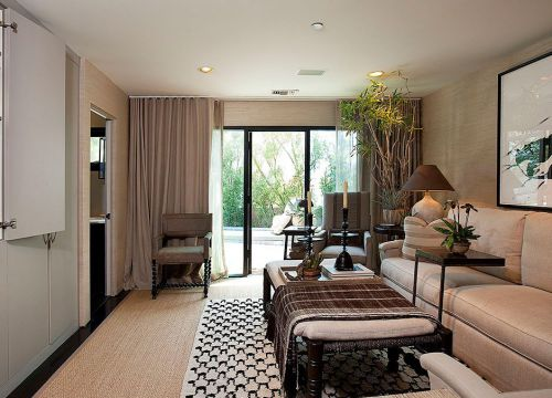 咖啡色的美式风格客厅装修