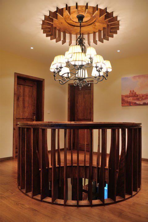 木质家具美式风格二楼装修