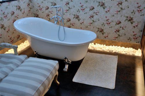美式田园风格浴室效果图
