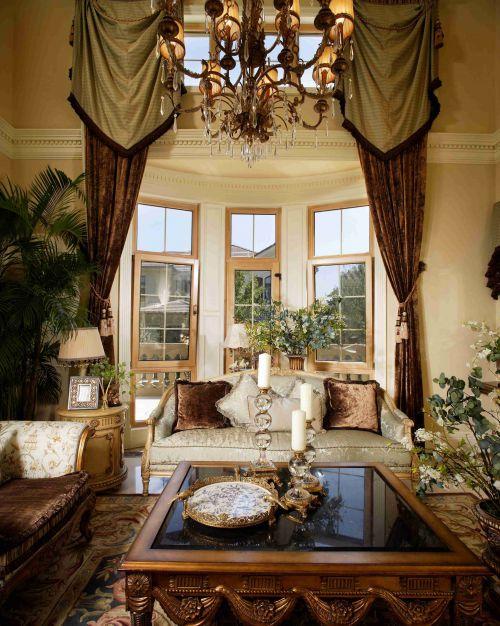 欧式古典风格别墅吊顶装饰设计